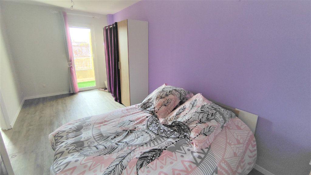 Appartement à vendre 4 80.8m2 à Six-Fours-les-Plages vignette-8