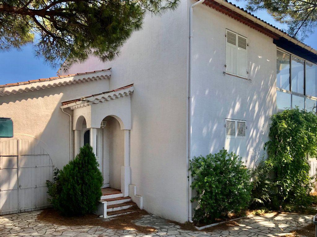 Maison à vendre 8 200m2 à Sanary-sur-Mer vignette-1
