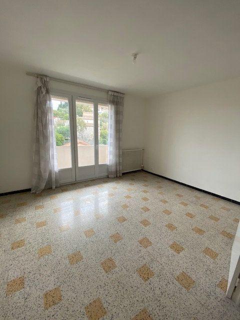 Appartement à louer 3 55.82m2 à La Seyne-sur-Mer vignette-1