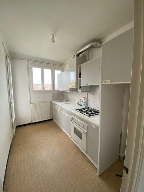 Appartement à louer 3 55.82m2 à La Seyne-sur-Mer vignette-2