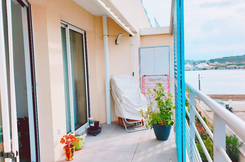 Appartement à vendre 3 53m2 à La Seyne-sur-Mer vignette-1