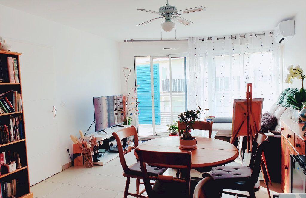 Appartement à vendre 3 53m2 à La Seyne-sur-Mer vignette-2