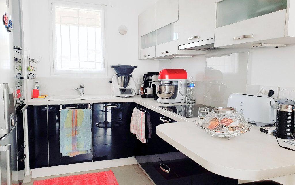 Appartement à vendre 3 53m2 à La Seyne-sur-Mer vignette-3