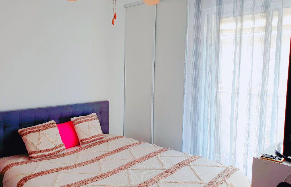 Appartement à vendre 3 53m2 à La Seyne-sur-Mer vignette-4