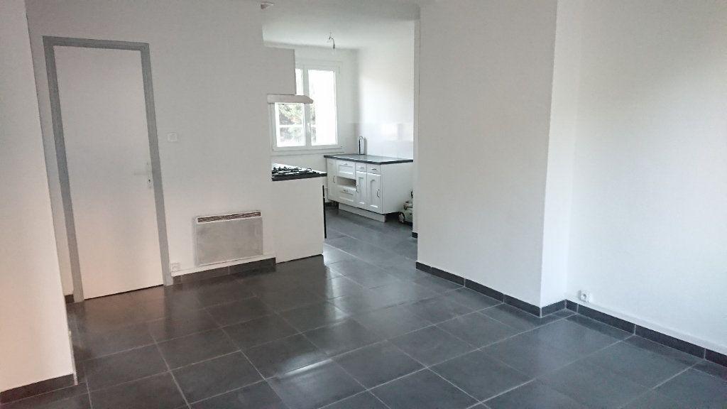 Appartement à vendre 3 60m2 à La Seyne-sur-Mer vignette-1