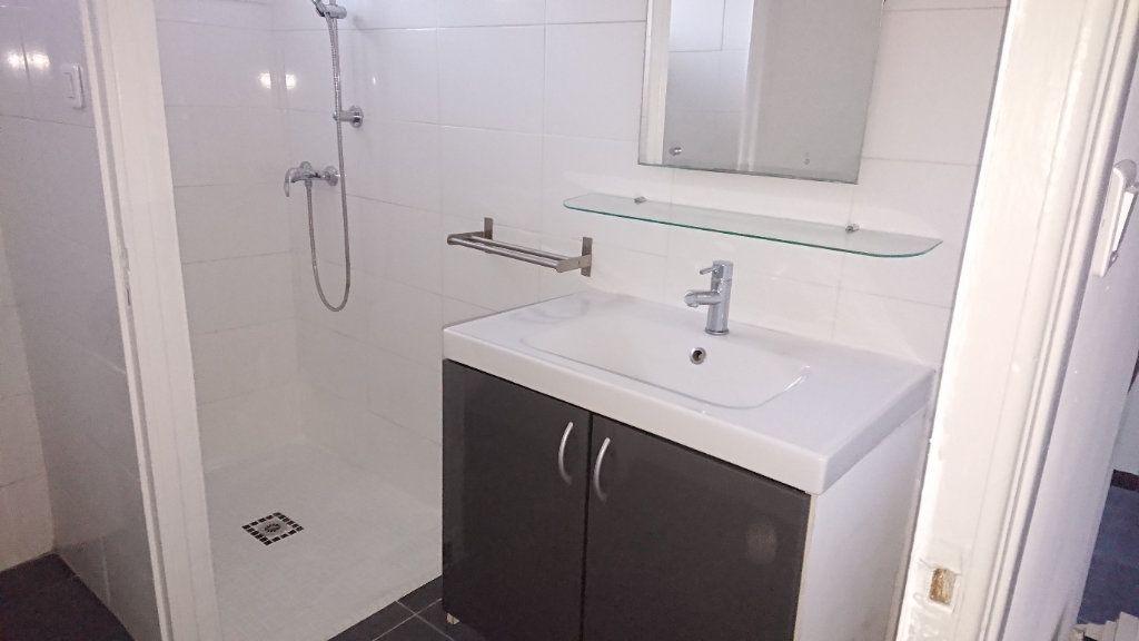 Appartement à vendre 3 60m2 à La Seyne-sur-Mer vignette-5