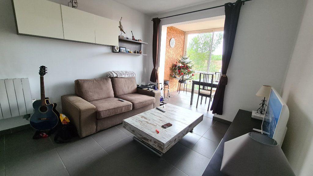 Appartement à vendre 2 29m2 à La Seyne-sur-Mer vignette-3