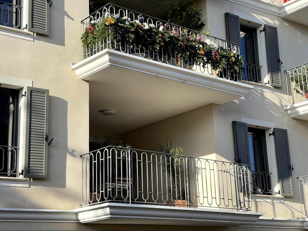 Appartement à vendre 4 95m2 à Sanary-sur-Mer vignette-2