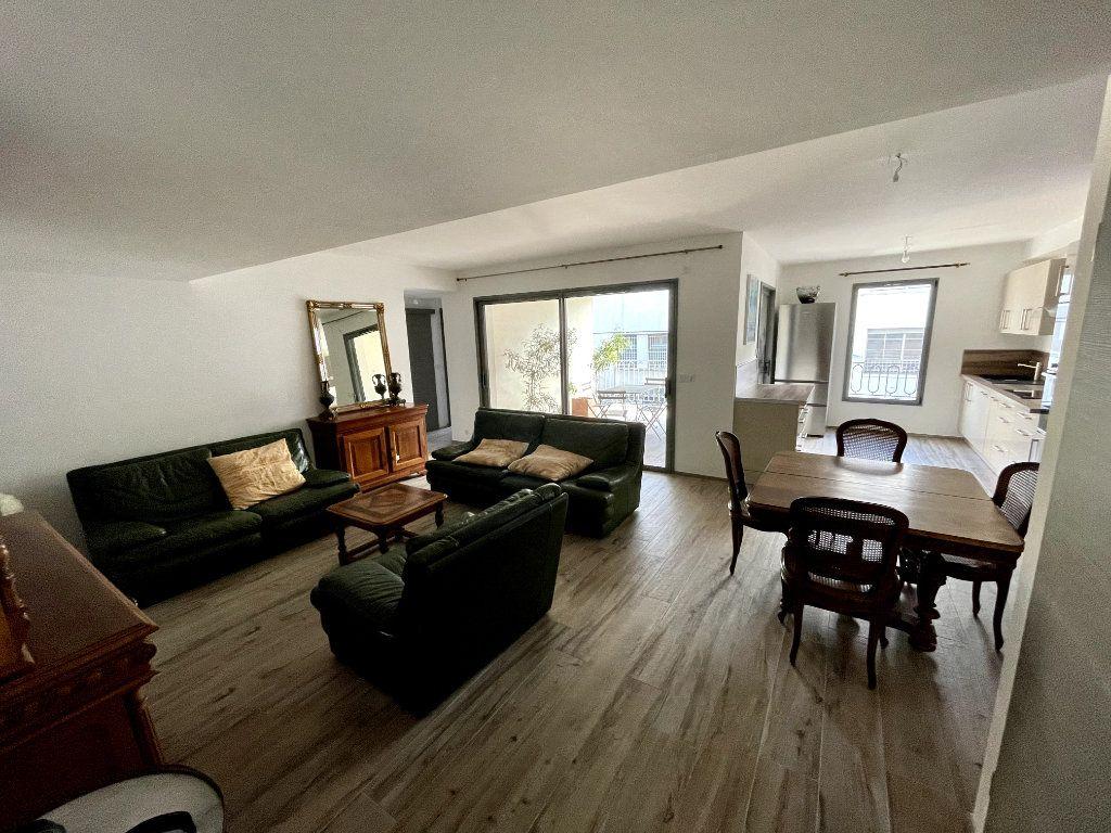 Appartement à vendre 4 95m2 à Sanary-sur-Mer vignette-3