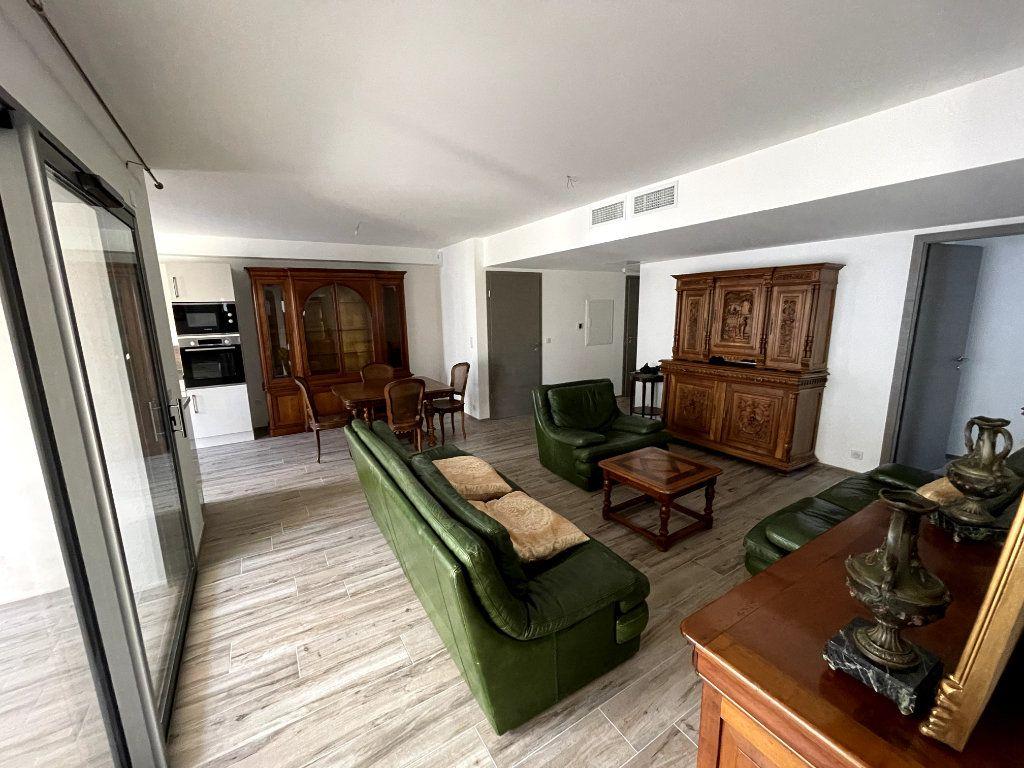 Appartement à vendre 4 95m2 à Sanary-sur-Mer vignette-6
