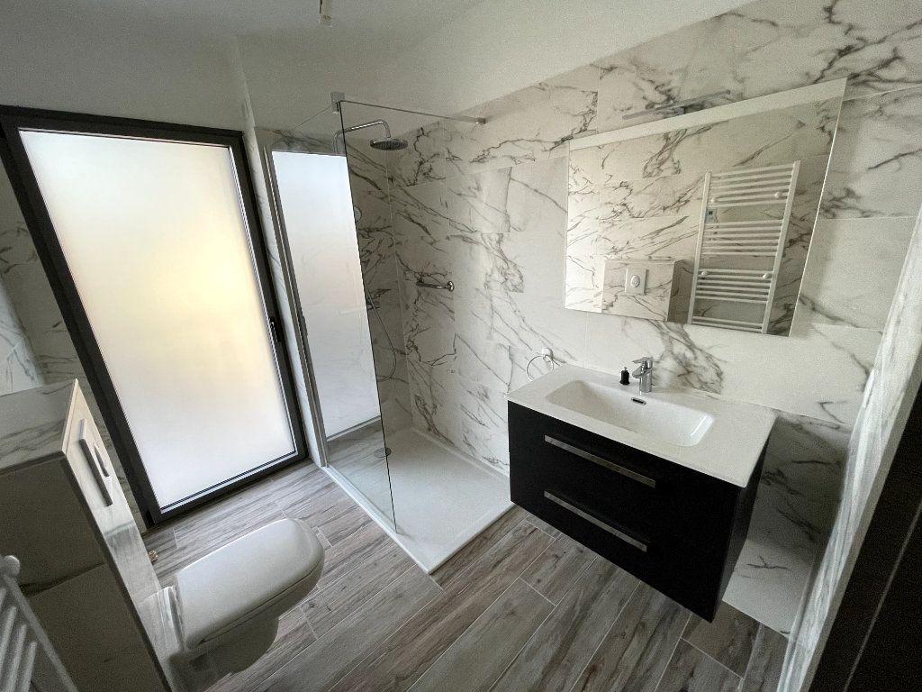 Appartement à vendre 4 95m2 à Sanary-sur-Mer vignette-9