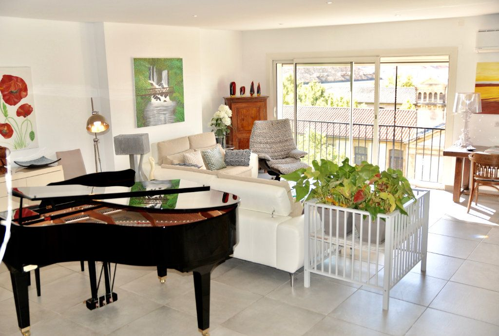 Appartement à vendre 10 300m2 à Toulon vignette-1