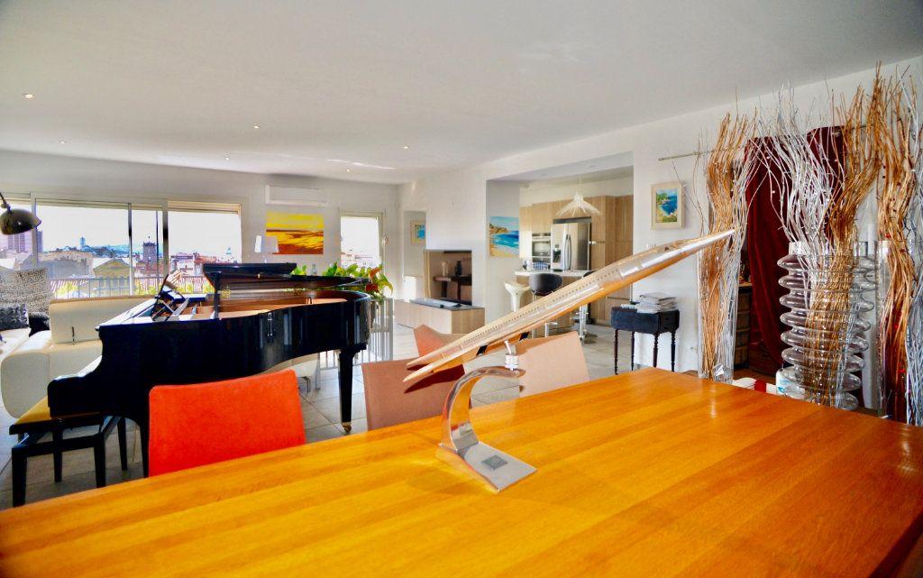 Appartement à vendre 10 300m2 à Toulon vignette-5