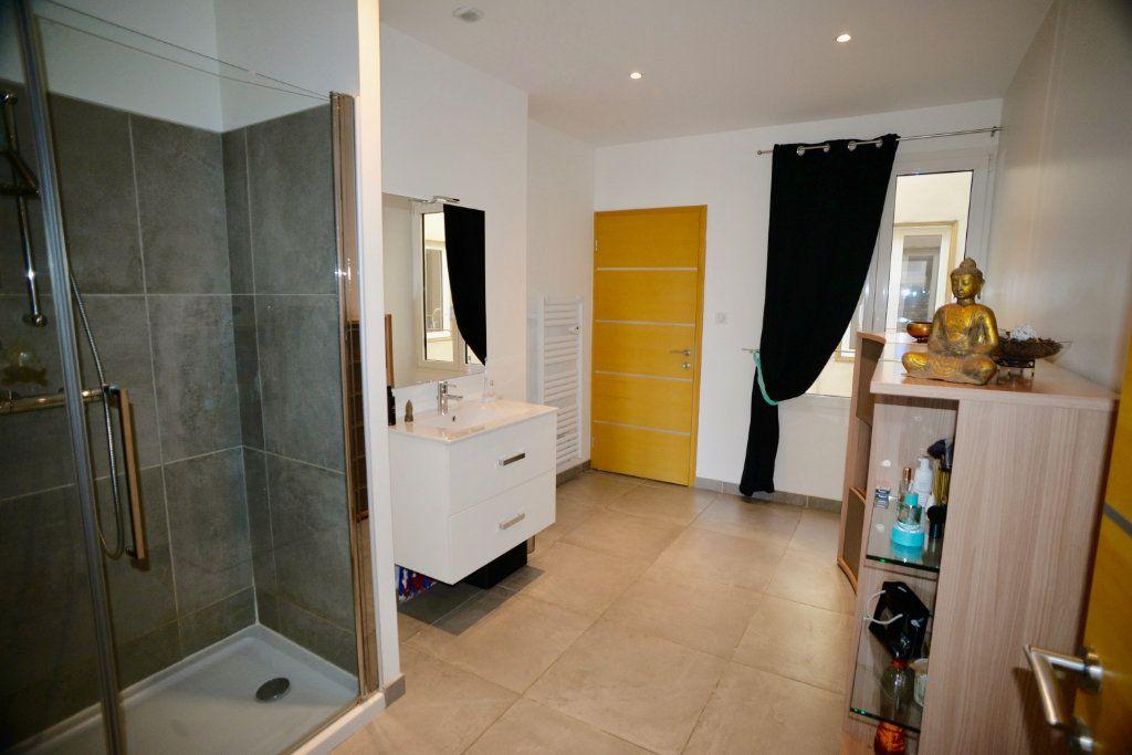 Appartement à vendre 10 300m2 à Toulon vignette-9