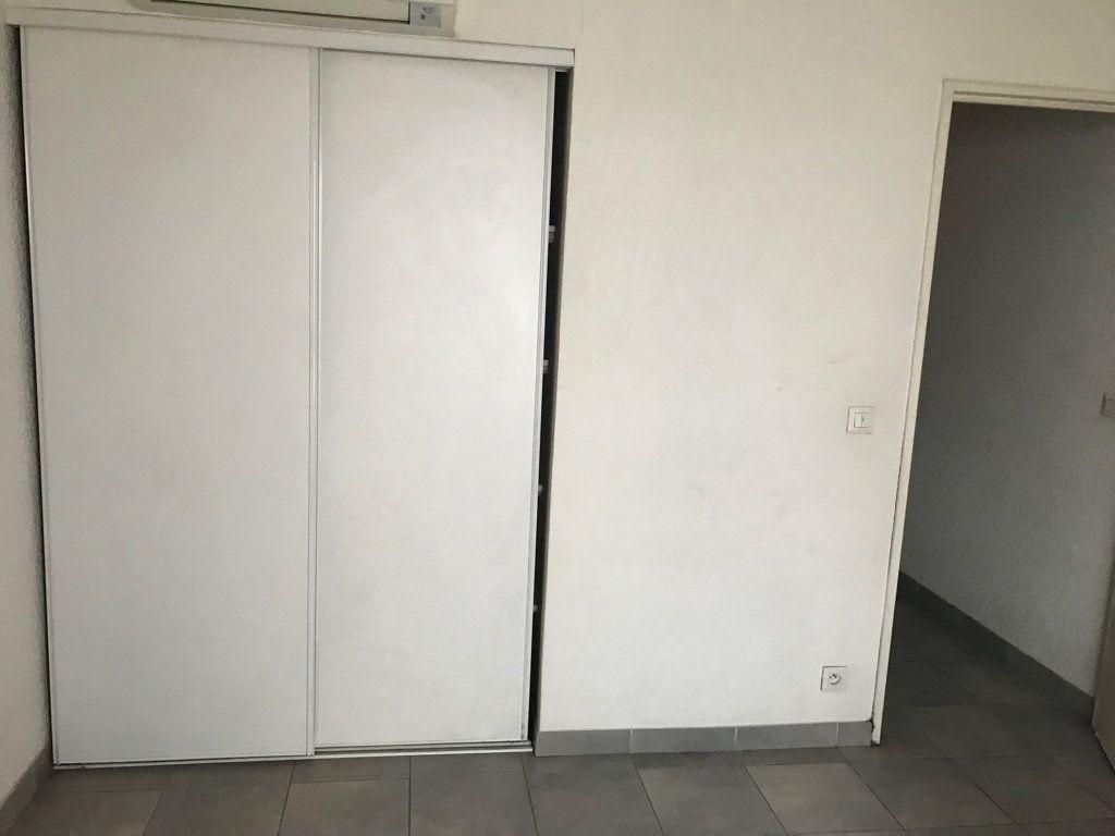 Appartement à vendre 1 21.85m2 à Toulon vignette-1