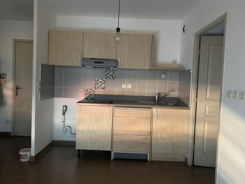 Appartement à vendre 3 54.76m2 à La Seyne-sur-Mer vignette-2