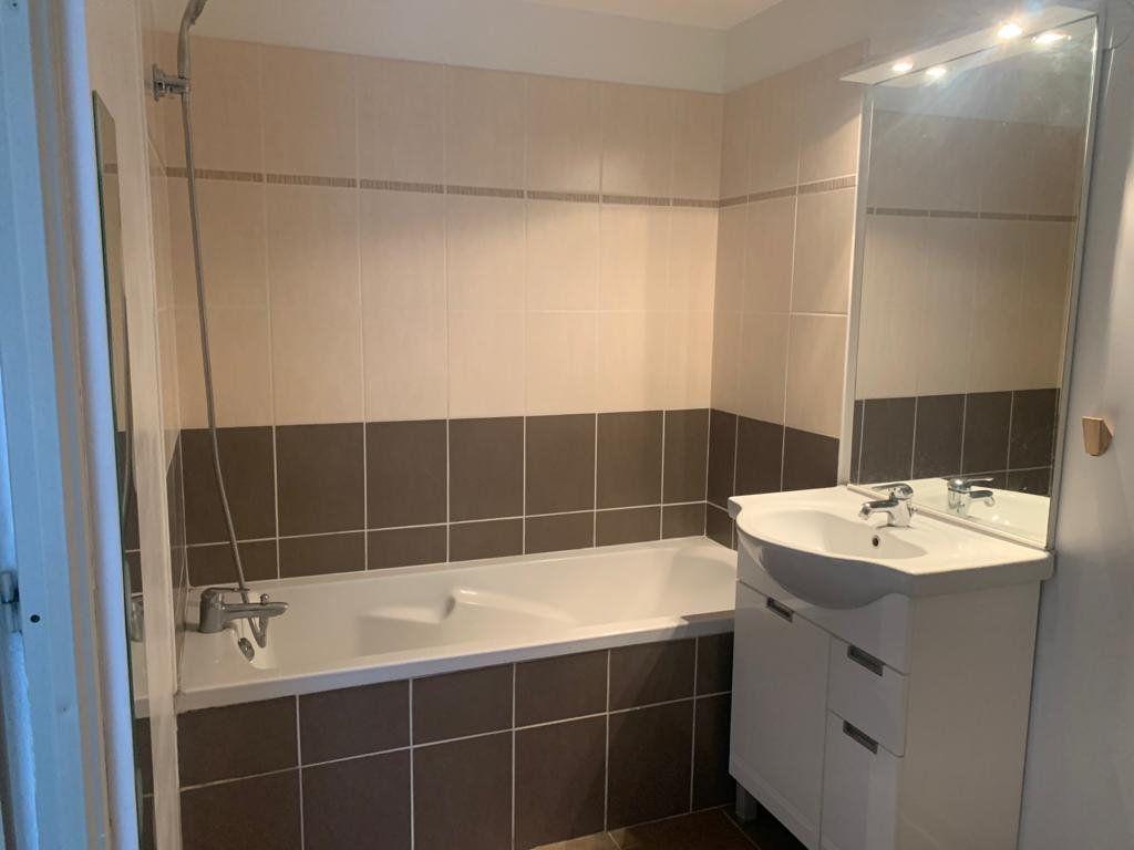 Appartement à vendre 3 54.76m2 à La Seyne-sur-Mer vignette-5