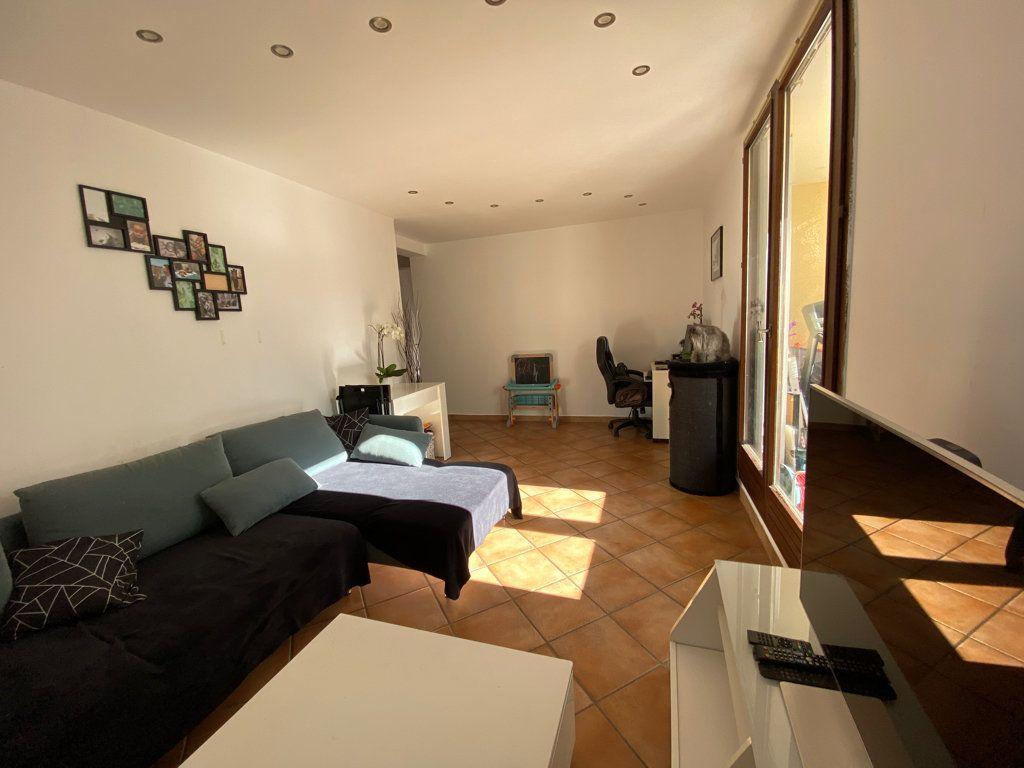 Appartement à vendre 3 60m2 à La Seyne-sur-Mer vignette-4
