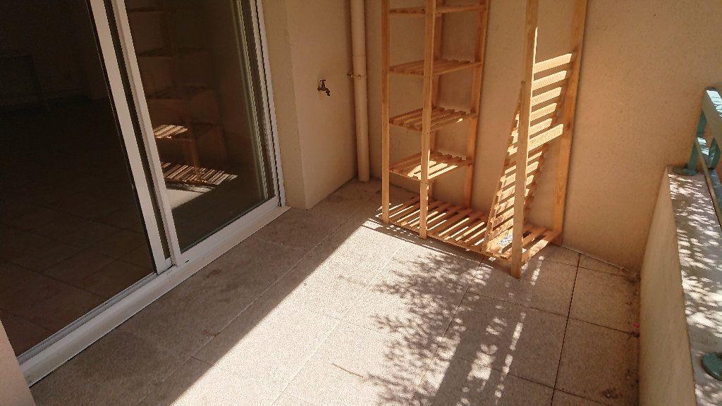 Appartement à vendre 3 62m2 à La Seyne-sur-Mer vignette-5