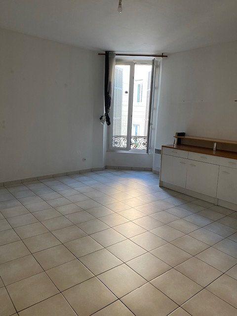 Appartement à louer 3 55.45m2 à Toulon vignette-2