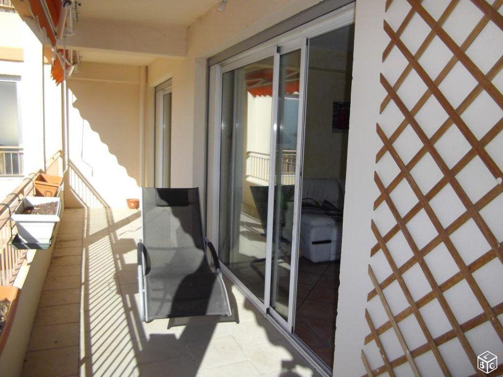 Appartement à vendre 4 70m2 à La Seyne-sur-Mer vignette-1