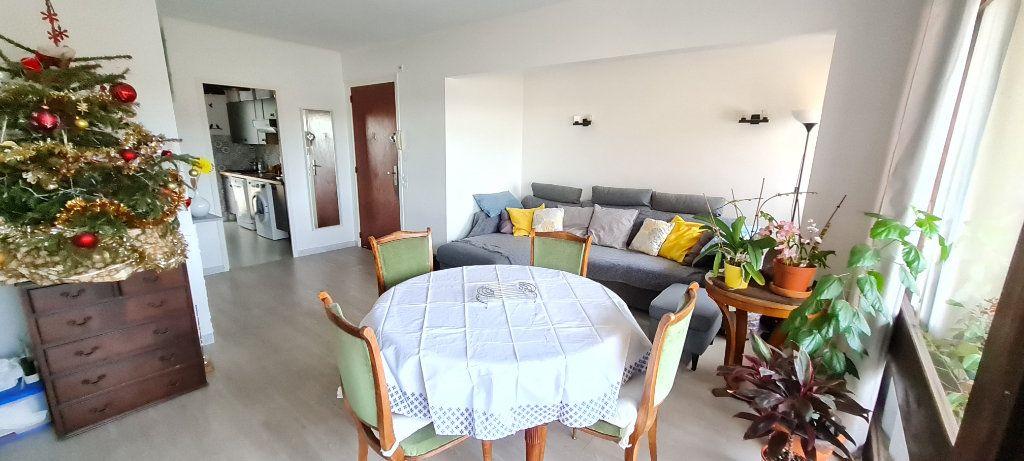 Appartement à vendre 3 68m2 à Saint-Mandrier-sur-Mer vignette-3