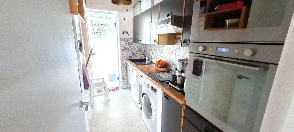 Appartement à vendre 3 68m2 à Saint-Mandrier-sur-Mer vignette-4