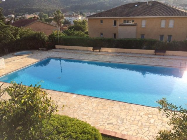 Appartement à vendre 3 68m2 à Saint-Mandrier-sur-Mer vignette-7