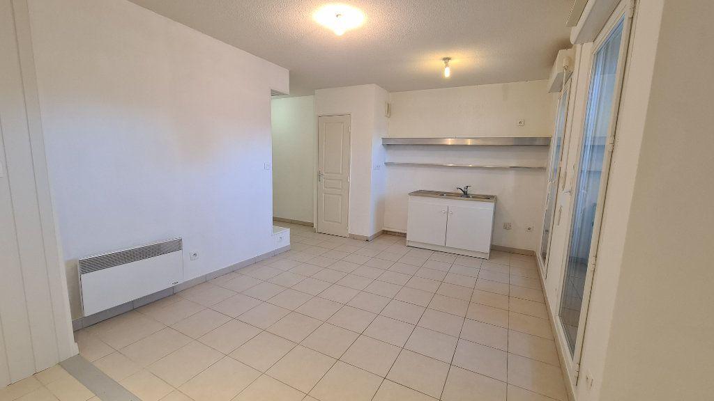 Appartement à vendre 2 35m2 à La Seyne-sur-Mer vignette-2
