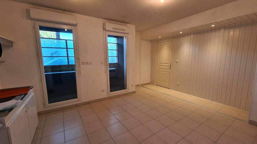 Appartement à vendre 2 35m2 à La Seyne-sur-Mer vignette-3