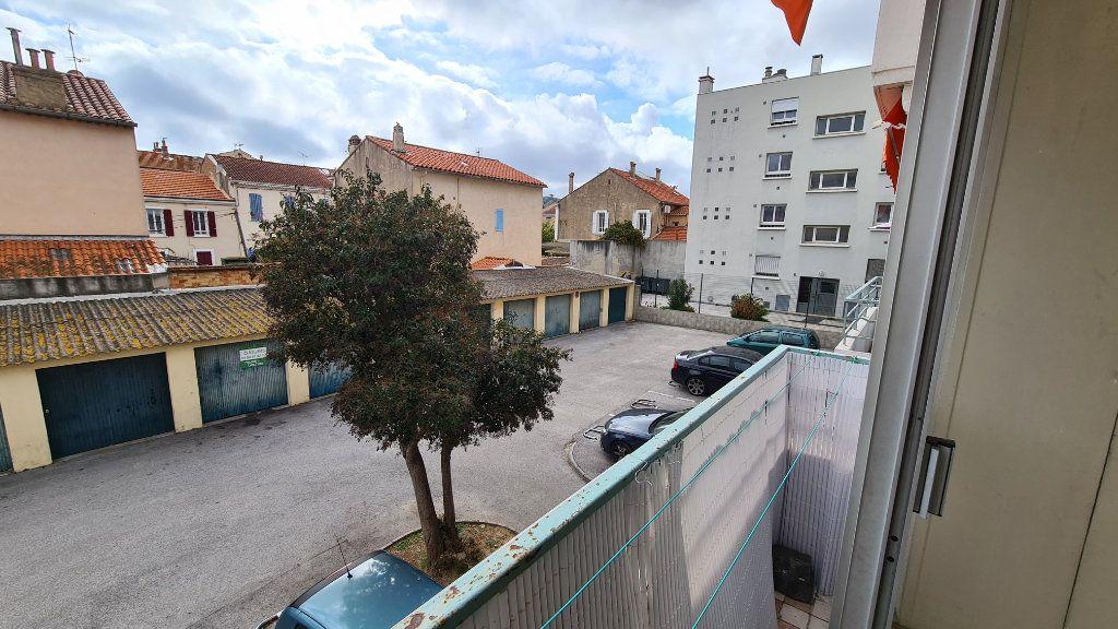 Appartement à vendre 3 50m2 à La Seyne-sur-Mer vignette-1