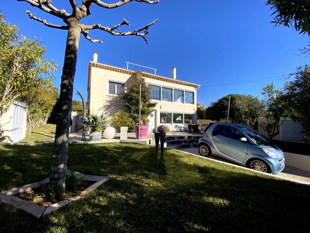 Maison à vendre 10 240m2 à La Seyne-sur-Mer vignette-2