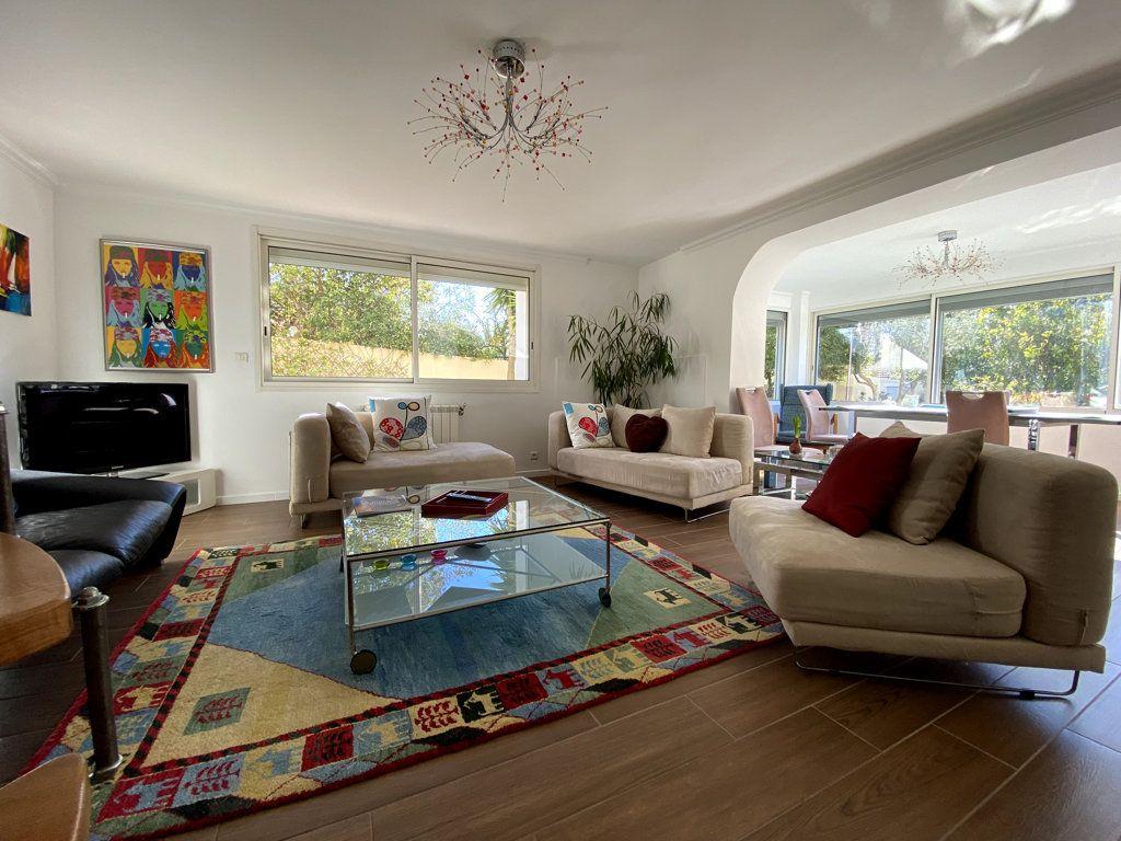 Maison à vendre 10 240m2 à La Seyne-sur-Mer vignette-3