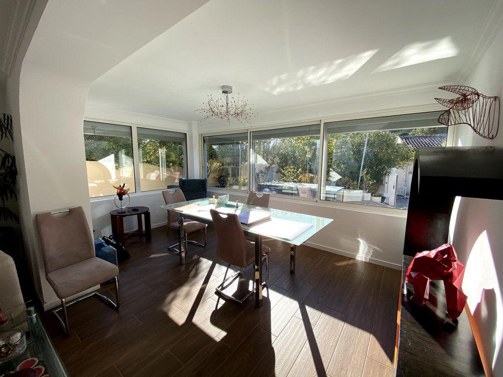 Maison à vendre 10 240m2 à La Seyne-sur-Mer vignette-5
