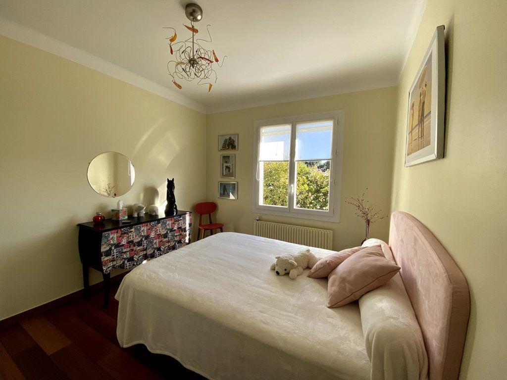 Maison à vendre 10 240m2 à La Seyne-sur-Mer vignette-7