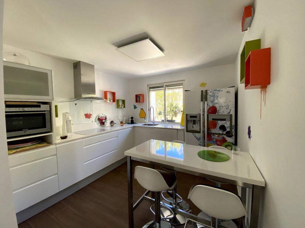 Maison à vendre 10 240m2 à La Seyne-sur-Mer vignette-10