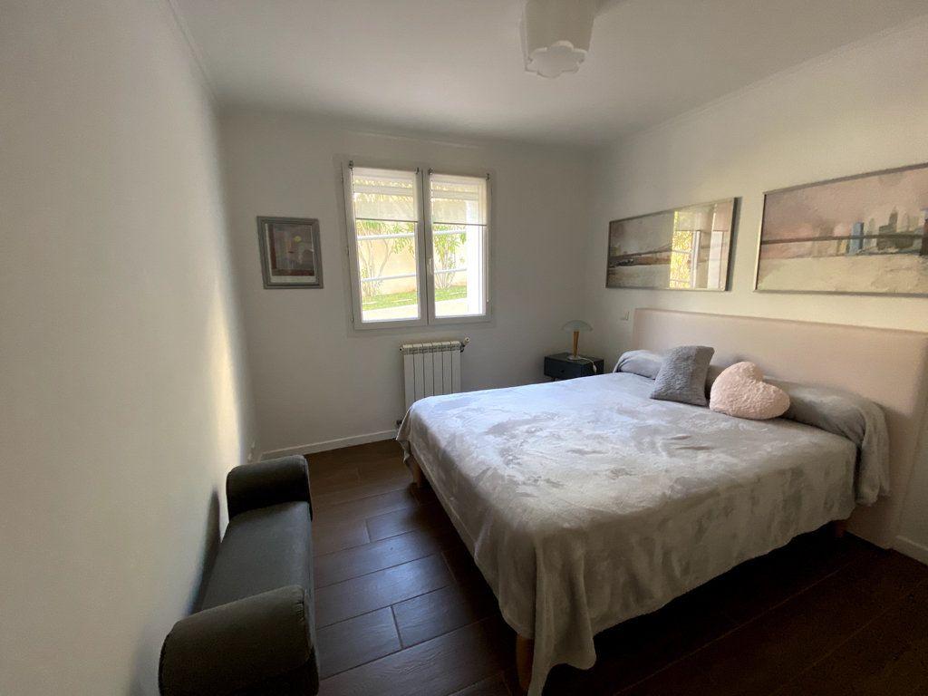 Maison à vendre 10 240m2 à La Seyne-sur-Mer vignette-11