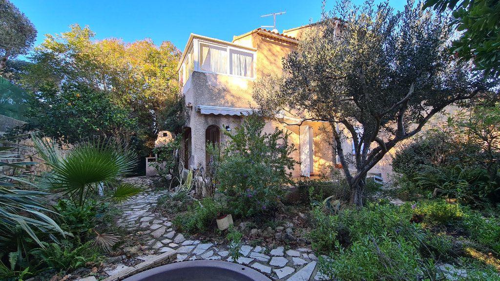 Maison à vendre 4 92m2 à La Seyne-sur-Mer vignette-1