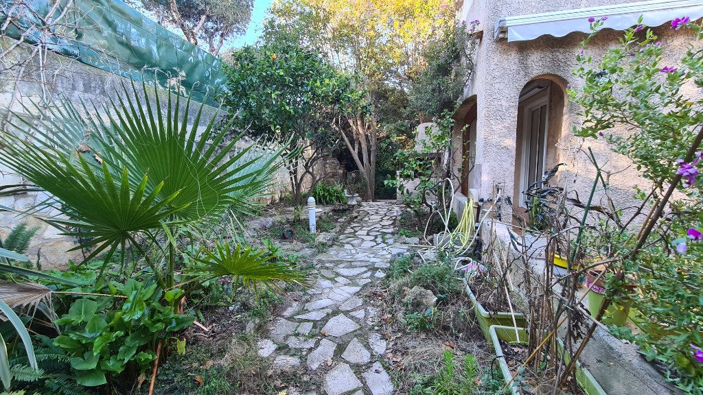 Maison à vendre 4 92m2 à La Seyne-sur-Mer vignette-3