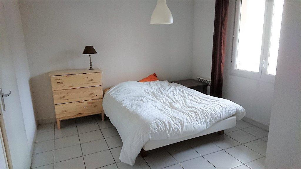 Appartement à vendre 2 44m2 à La Seyne-sur-Mer vignette-4