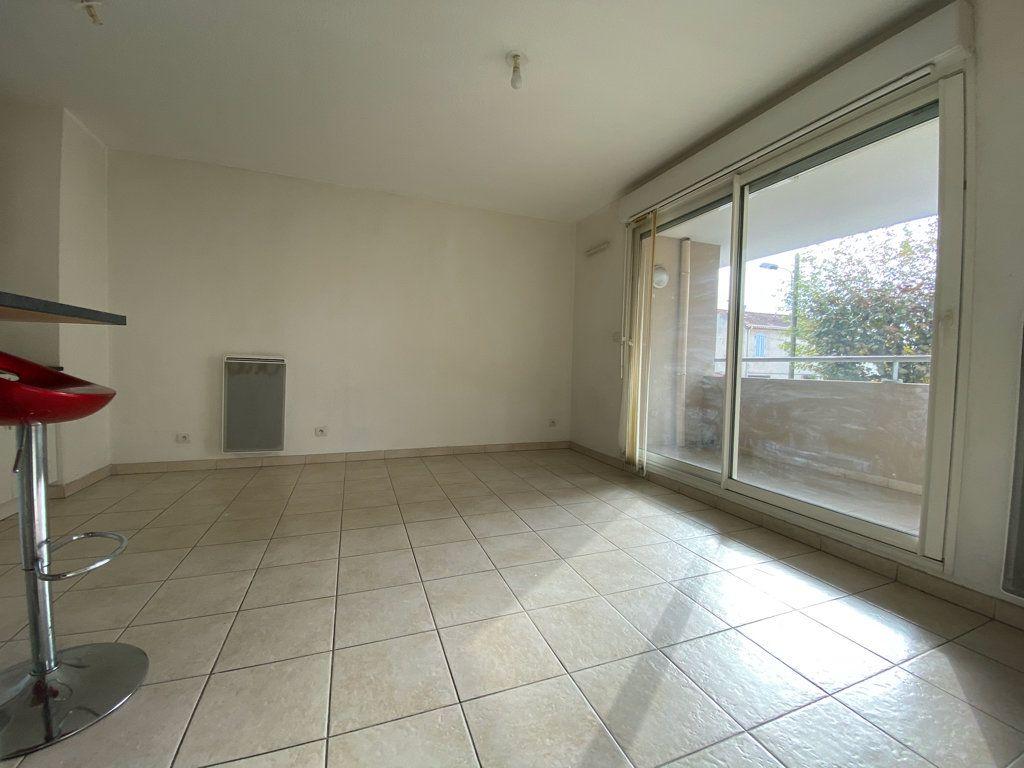 Appartement à vendre 2 37m2 à La Seyne-sur-Mer vignette-2