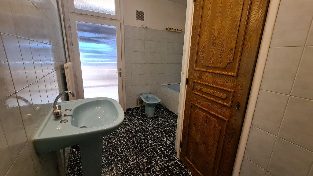Appartement à vendre 3 68m2 à La Seyne-sur-Mer vignette-5