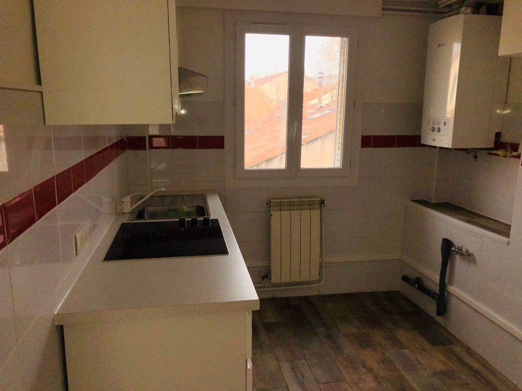 Appartement à vendre 3 55m2 à La Seyne-sur-Mer vignette-2