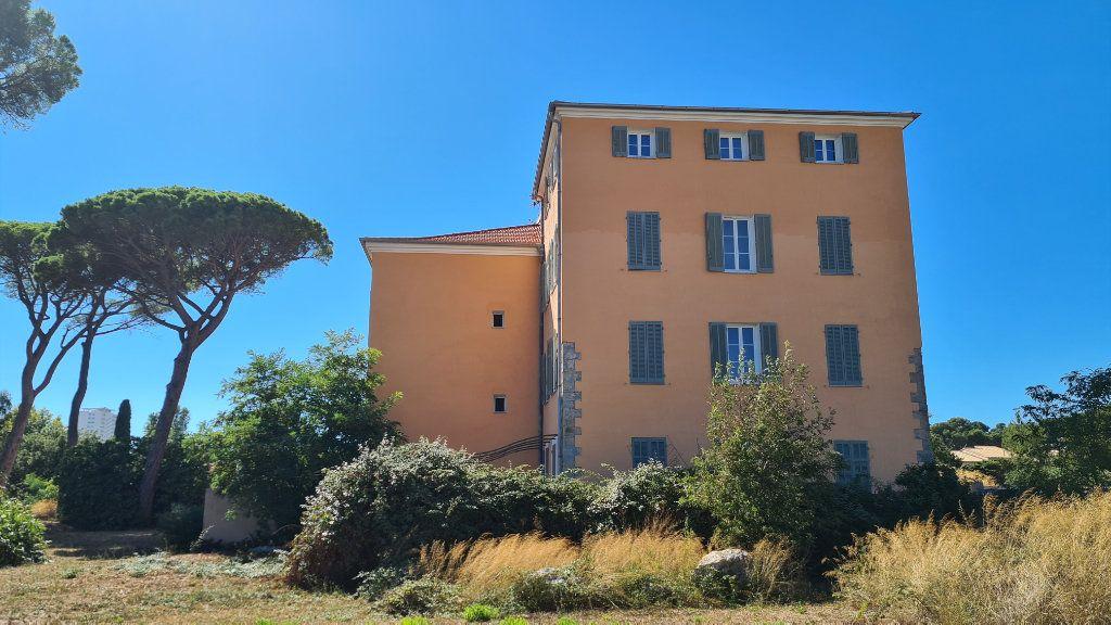 Appartement à vendre 3 71.9m2 à La Seyne-sur-Mer vignette-4