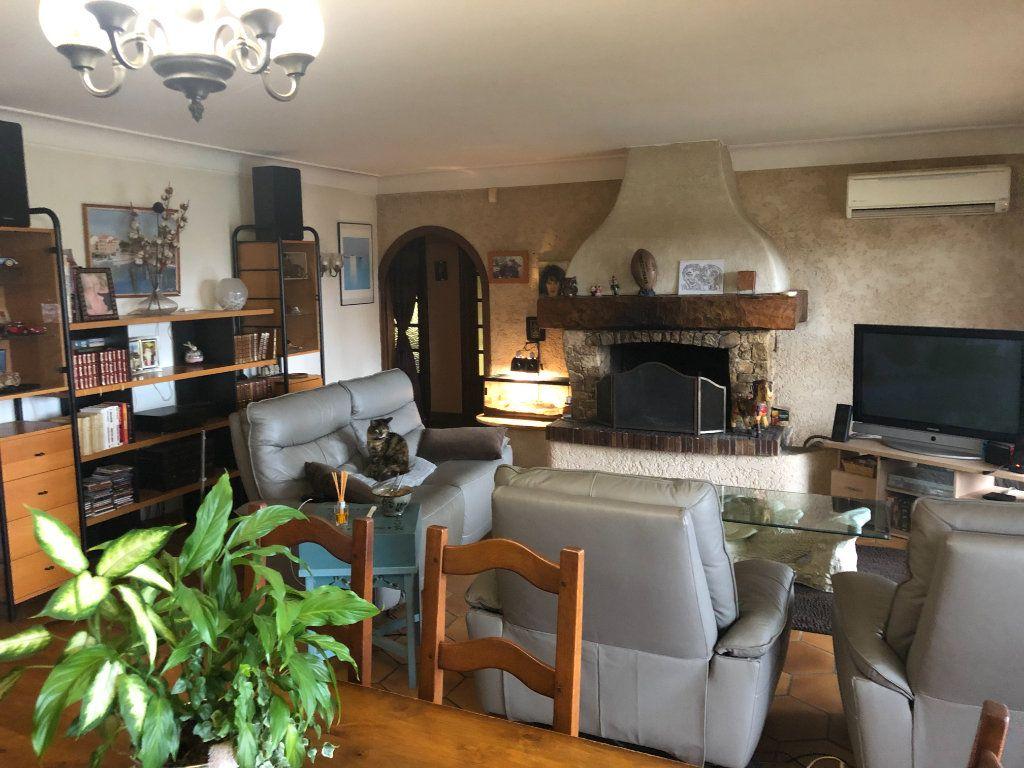 Maison à vendre 7 250m2 à La Seyne-sur-Mer vignette-2