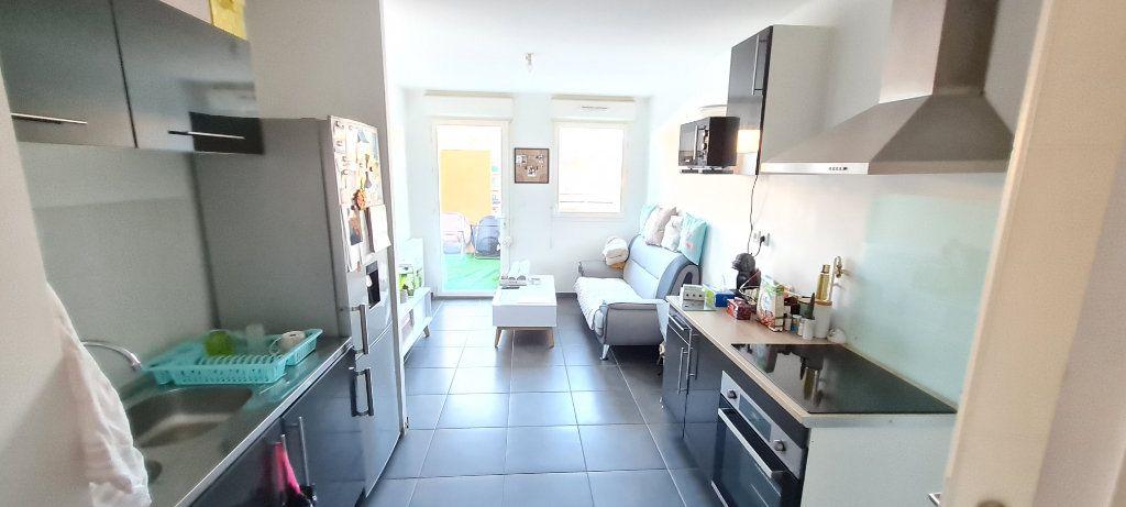 Appartement à vendre 2 37m2 à La Seyne-sur-Mer vignette-3
