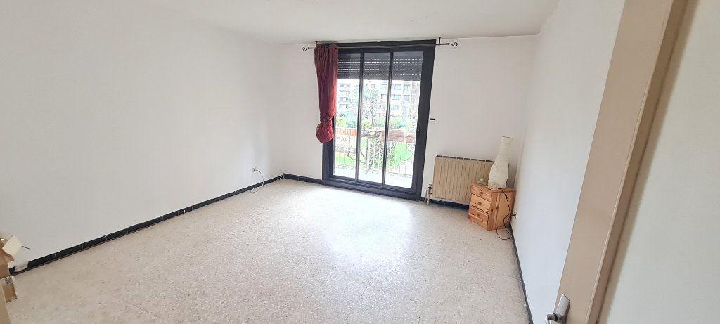Appartement à vendre 3 64m2 à La Seyne-sur-Mer vignette-2