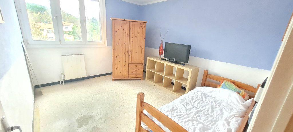 Appartement à vendre 3 64m2 à La Seyne-sur-Mer vignette-3