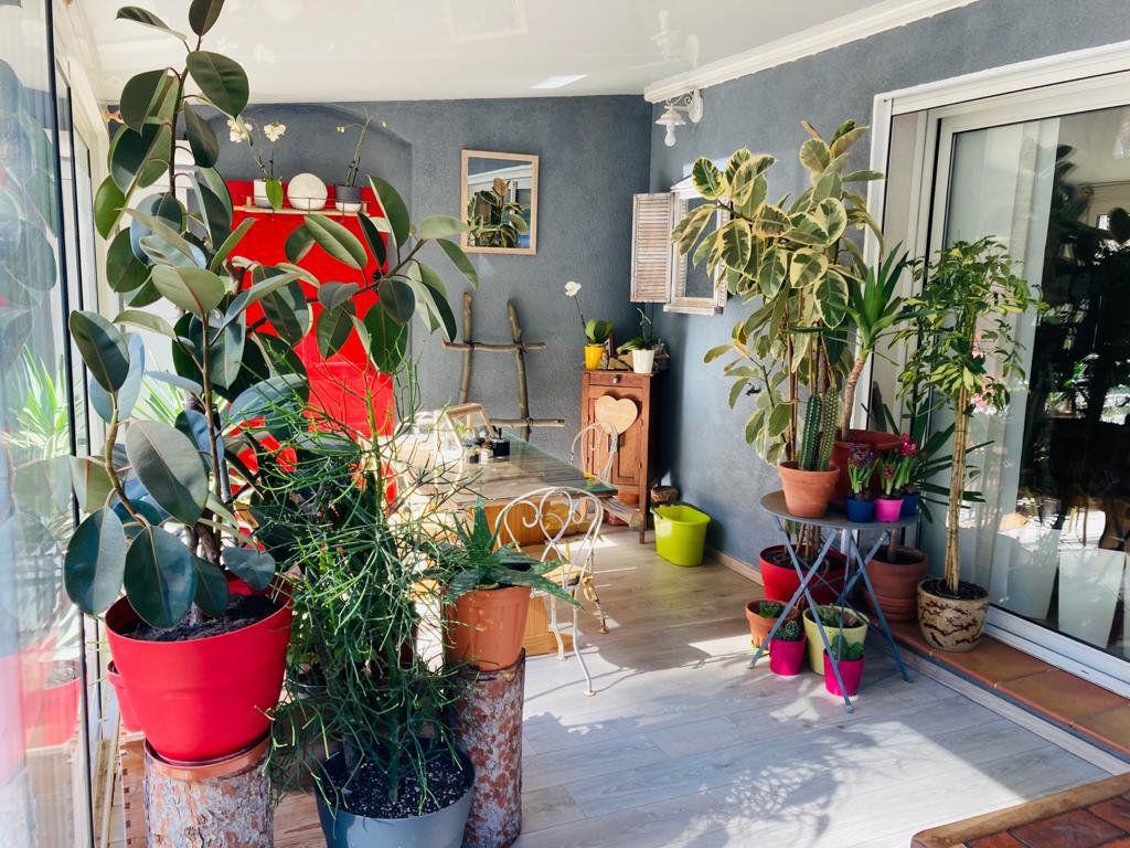 Maison à vendre 4 105.44m2 à La Seyne-sur-Mer vignette-6