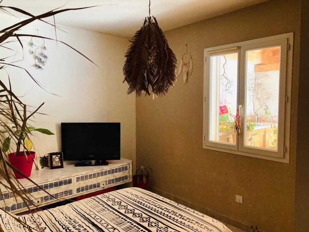 Maison à vendre 4 105.44m2 à La Seyne-sur-Mer vignette-7